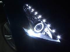 加工ヘッドライト品 プロショップならではの、国家整備士・車体整備士のよる、安心のお取り付け作業 Z34フェアレディZ LEDイカリング ヘッドライト6