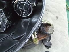加工ヘッドライト 殻割り 防水処理 コーキング4