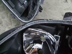 加工ヘッドライト 殻割り 防水処理 コーキング6
