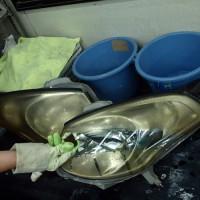 ヘッドライト 黄ばみ・磨き トヨタヴェロッサ クイックリペアコーティング