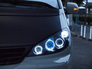 10ESTIMAhybridヘッドライト交換・車体お取り付け10エスティマハイブリッド前期HIDイカリングヘッドライト