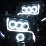 200系 ハイエース3型ブラストアクリルライン加工&LS3連プロジェクター&バイキセノンプロジェクター&ブラック&CCFLイカリング ヘッドライト
