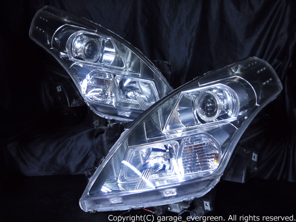 マツダ LY3P MPV 前期/後期 純正HID車用 AFS無し 純正ドレスアップヘッドライト 4連LEDイカリング&高輝度白色LED18発増設