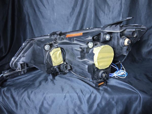 三菱 CW5W/CW4W アウトランダー 後期 純正HID仕様車 純正ドレスアップヘッドライト 4連LEDイカリング&高輝度白三菱 CW5W/CW4W アウトランダー 後期 純正HID仕様車 純正ドレスアップヘッドライト 4連LEDイカリング&高輝度白色LED6発増設LED6発増設