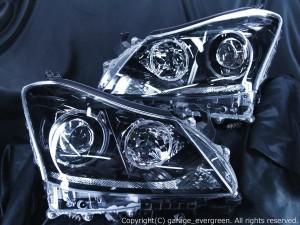 URS206/UZS207 200系 クラウン マジェスタ 前期/後期 <プリクラッシュシステム非搭載車用> ブラッククロム&増設アンダーLED&LEDイカリング 仕様 純正加工品 ドレスアップヘッドライト