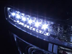 ヘッドライト現物加工 C26セレナ ハロゲン LED イカリング