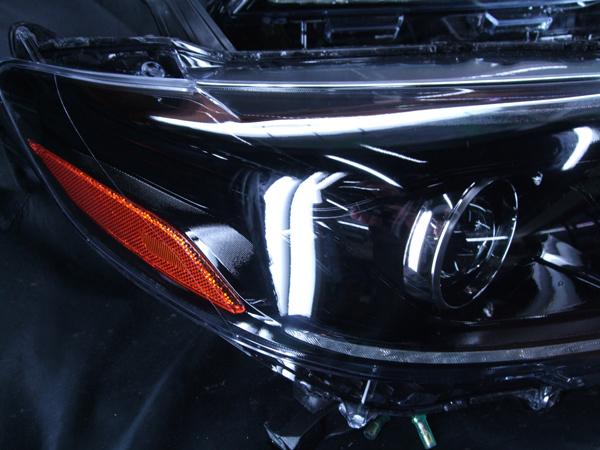 ヘッドライト現物加工 トヨタUSシエナ インナーブラッククロム加工