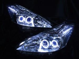 ヘッドライト現物加工 プリウスα ブルーアイ LEDイカリング