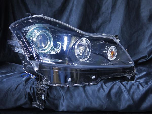 日産 Y50フーガ GT系 純正HID車用 純正ドレスアップヘッドライト 6連LEDイカリング&超高輝度白色LED12発増設&インナーブラッククロ日産 Y50フーガ GT系 純正HID車用 純正ドレスアップヘッドライト 6連LEDイカリング&超高輝度白色LED12発増設&インナーブラッククロム&サイドブラックム&サイドブラック