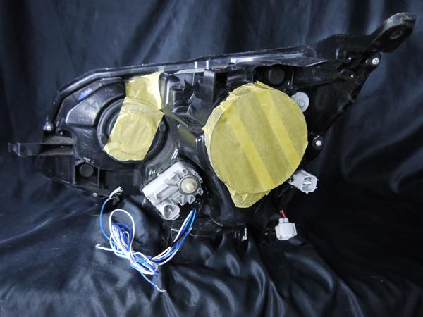 ダイハツ LA100S/LA110S ムーヴカスタム 前期 純正HID用 純正ドレスアップヘッドライト 4連LEDイカリング&純正ポジションLED色替え&インナーブラッククロム