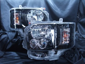 210系/220系 ハイエース 4型 LEDヘッドライト インナーブラッククロム加工