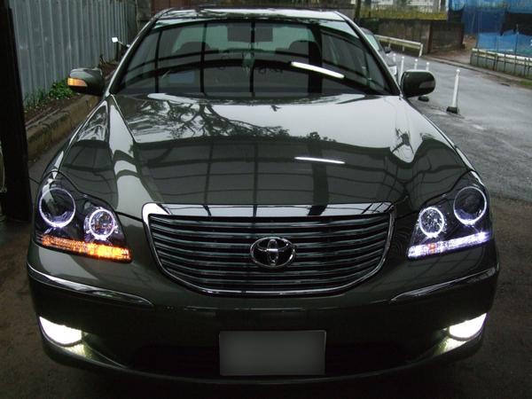 18系クラウン マジェスタ ブラッククロム&LED ウィンカー点灯切換えリレー ヘッドライト加工