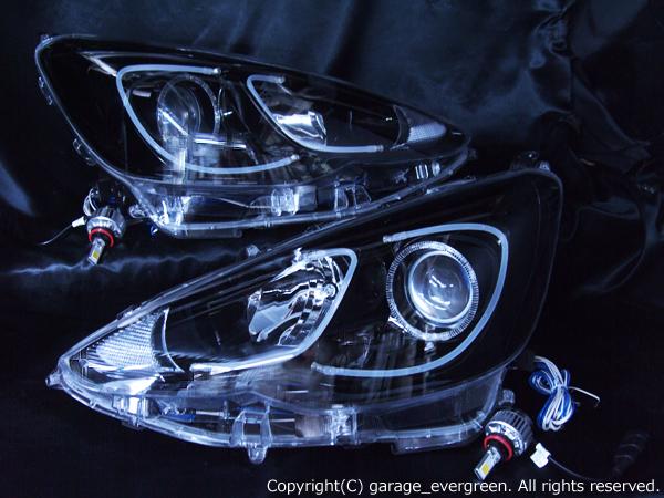 トヨタ アクア 後期 純正ハロゲン車用 純正ドレスアップヘッドライト 新品ヘッドライト加工品 LEDイカリング&超高輝度白色LED12発増設&ダブルLEDアクリルイルミファイバー&インナーブラッククロム 仕様