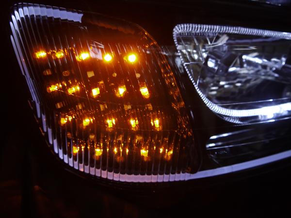 ワンオフ加工■BH系 レガシィ 前期■シーケンシャルウインカー&白LED増設&LEDイルミファイバー&LEDイカリング&インナーブラック塗装 純正ドレスアップヘッドライト