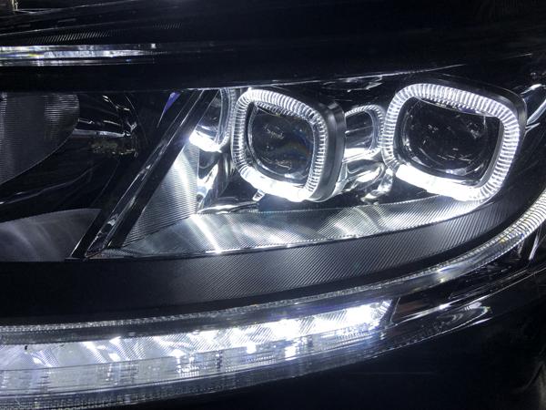 現物加工■RC オデッセイ シーケンシャルウインカー&LEDイカリング&白LED増設&純正ポジション色替え 仕様 純正ドレスアップヘッドライト