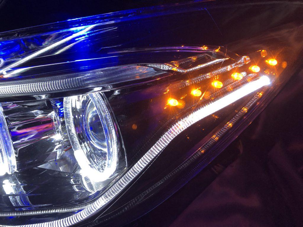ワンオフ加工■E12 ノート 後期■LEDイカリング&ブルーLED増設&下部LEDアイライン&社外プロジェクター移植&橙LED増設 仕様 純正ドレスアップヘッドライト