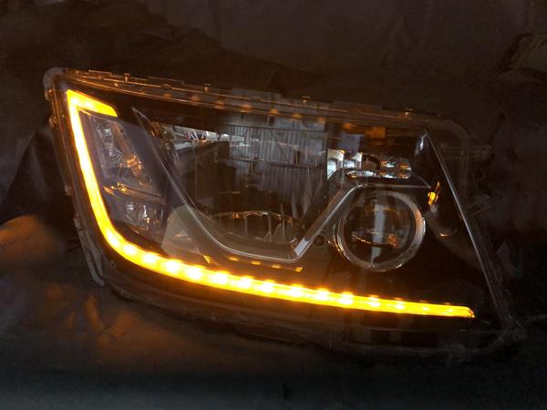 日野 17系 プロフィア シーケンシャルウインカー&ウインカークリア加工 仕様 純正加工品 ドレスアップヘッドライト
