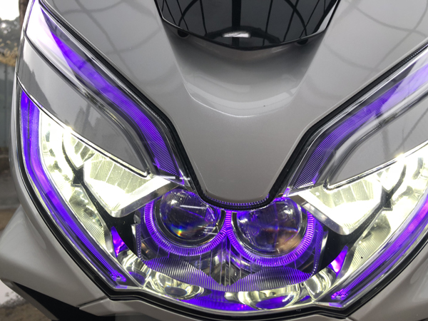 オーダー加工 PCX125/150/ハイブリッド JF81 シーケンシャルウインカー&イカリング&プロジェクター移植&LED増設 仕様 純正加工 ドレスアップヘッドライト