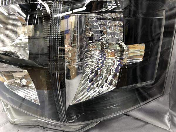 艶消しブラック塗装 200系 ハイエース 3型 後期 オーダー加工 純正品加工ドレスアップヘッドライト