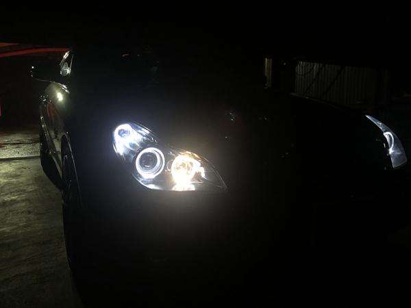 W219 CLS ベンツ ブラック&イカリング 純正加工品 ドレスアップ ヘッドライト交換・お取り付け