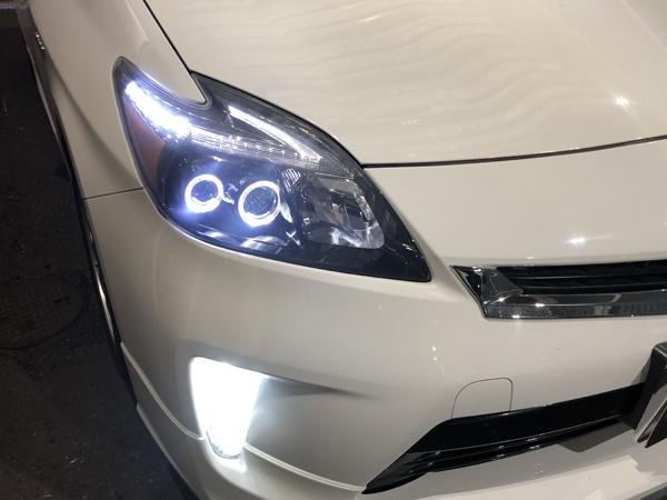 30 プリウス 後期 LEDヘッドライト移植&インナーブラック塗装&LED打替え&イカリング&白LED増設 仕様 純正加工 ドレスアップヘッドライト