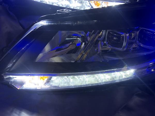 ワンオフ加工 RC オデッセイ シーケンシャルウインカー&白LED切り替え&青LED増設 仕様 純正加工 ドレスアップヘッドライト