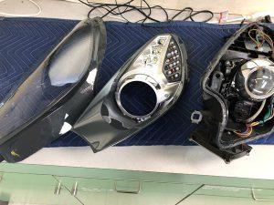 修理 フェラーリ・カルフォニア 純正ヘッドライト