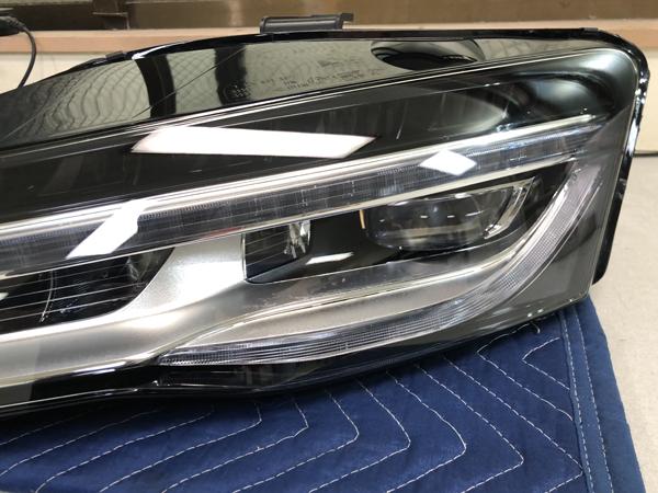 修理 アウディ R8 純正LED ヘッドライト