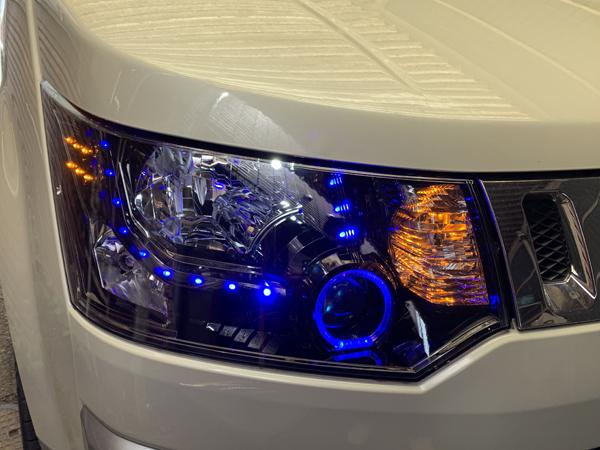 ワンオフ加工 デリカ D5 インナーブラック塗装&青LEDイカリング&青橙LED増設&プロジェクター内アクアブルーLED埋め込み 仕様 純正加工品 ドレスアップ ヘッドライト